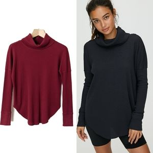 Aritzia TNA Thermal Cowlneck Long Sleeve T-Shirt